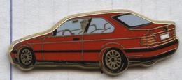 Pin's Arthus Bertrand - Voiture BMW Coupé Rouge - BMW