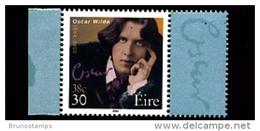 IRELAND/EIRE - 2000  OSCAR WILDE 30p. SMALLER SIZE  MINT NH - 1949-... Repubblica D'Irlanda
