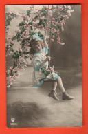 IBQ-23  Fillette Sur Une Balançoire, Avec Pommier En Fleur. Circulé Sous Enveloppe. - Scènes & Paysages