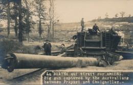 G111 - MILITARIA - Carte Photo - La Bertha Qui Tirait Sur Amiens - Identique Aux Cartes Postales - Equipment