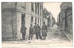 SOISSONS LA GRANDE GUERRE 1914  CHASSEURS D AFRIQUE  TURCOS ANGLAIS  FRATERNISANT SUR LES RUINES *****  A  SAISIR ***** - Soissons