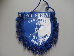 Fanion HANDBALL - SAINT ETIENNE DE MONTLUC - LOIRE ATLANTIQUE - Handball