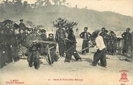 LAOS - CPA ETHNIQUE - DANSE DE KOUIS - HAUT MEKONG- édit; A.F. DECOLY N° 20 - TRES BON ETAT. - Laos