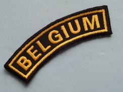 BELGIUM ( Details - Zie Foto´s Voor En Achter ) !! - Scudetti In Tela