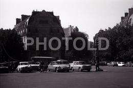 1963 ST MICHEL PARIS FRANCE 35mm  AMATEUR NEGATIVE NOT PHOTO NEGATIVO NO FOTO VOITURE SAAB 96 CITROEN DS - Other