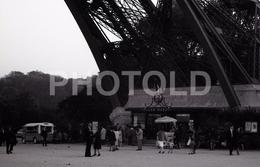 1963 EIFFEL PARIS FRANCE 35mm  AMATEUR NEGATIVE NOT PHOTO NEGATIVO NO FOTO VOITURE CITROEN FOURGON H HY - Other