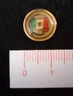 """06784 """"DISTINTIVO CENTENARIO TOURING CLUB ITALIANO 1894 1994 IN METALLO E SMALTI"""" ORIGINALE - Associazioni"""