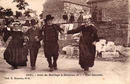 JOUR DE MARIAGE A GOUEZEC -29- UNE GAVOTTE - Gouézec