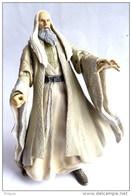 LORD OF THE RING - SEIGNEUR DES ANNEAUX - TOY BIZ - SARUMAN (3) - TENUE BEIGE - Herr Der Ringe