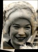 PHOTO - Photo De Presse - Acteurs - SHIRLEY MAC LAINE - Actrice - 1974 - - Célébrités