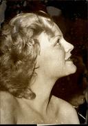 PHOTO - Photo De Presse - Acteurs - NATHALIE NATTIER - Actrice - 1974 - Célébrités