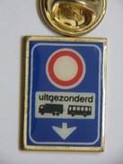 Pin's - Transports - Panneau De Signalisation - Trasporti