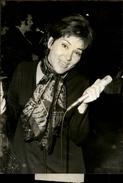 PHOTO - Photo De Presse - Chanteur - RIKA ZARAI - Chanteuse - 1971 - Célébrités