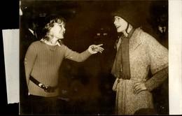 PHOTO - Photo De Presse - Chanteur - PETULA CLARK - SARAH MILES - Chanteuse - Actrice - 1973 - Célébrités