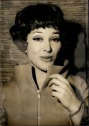 PHOTO - Photo De Presse - Chanteur - RIKA ZARAI - Chanteuse - 1969 - Accident à Courtacon - Célébrités