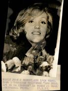 PHOTO - Photo De Presse - Chanteur - JEANIE BENETT - Chanteuse - 1971 - Célébrités