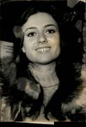 PHOTO - Photo De Presse - Chanteur - GIGLIOLA CINQUETTI - Chanteuse - 1973 - Célébrités