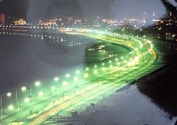 * Emirats Arabes Unis - Abu Dhabi - Cornicha At Night - Emirats Arabes Unis