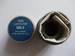 FILM FIXE Larousse GE-2 Les Roches Et Le Relief Du Sol - Pellicole Cinematografiche: 35mm-16mm-9,5+8+S8mm