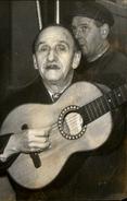 PHOTO - Photo De Presse - Musicien - Guitariste - Célébrités