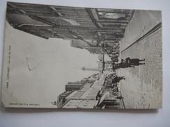 CPA - 56 - LORIENT- LA RUE DU PORT - ANIMEE -  R273 - Lorient