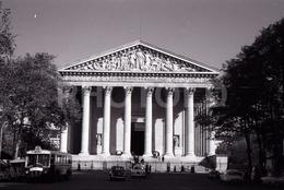 1963 LA MADELEINE PARIS FRANCE 35mm  AMATEUR NEGATIVE NOT PHOTO NEGATIVO NO FOTO RENAULT BUS - Other