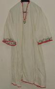 WOMAN LONG SHIRT. NEEDLE WORK, MOTIF FLOWERS, SOUTH SERBIA. UNIQUE. LACES - Vintage Clothes & Linen