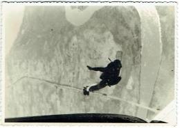 Carte Photo. Parachutisme. Chute Libre , Ruanda-Urundi, 1961-62. - Aviación