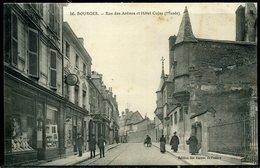 Cpa  Bourges   Rue Des Arènes,  Animée - Bourges