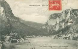 07 - LES GORGES DE L'ARDECHE - La Vallée En Aval De La Cathédrale - France