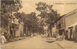 MORAMANGA - Rue Principale. - Madagascar