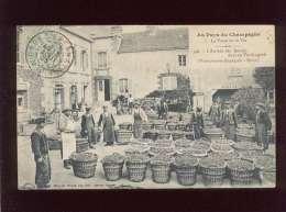 51 L'arrivée Des Raisins Dans Un Vendangeoir Vendangeoir Bertrand Reuil édit. Choque N°328 Au Pays Du Champagne La Vigne - France