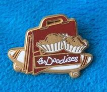 Pin's  Les Doodises . Arthus - Arthus Bertrand