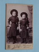 ENFANT - KIND - CHILD Twee Meisjes ( CDV Photo J. BEFF Anvers ) Anno 19?? - Voir Photo Pour Details ! - Anonymous Persons
