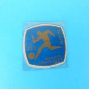 UEFA EURO 1976. - Original Vintage Plasticized Emblem * Football Soccer Fussball Futbol Futebol Calcio Foot - Bekleidung, Souvenirs Und Sonstige