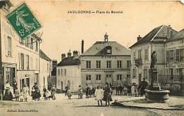 02 - 260417 - JAULGONNE - Place Du Marché - école - Postes Et Télégraphes Fontaine Soldat Pharmacie - France