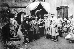 Militaria WW1  -  Arrivée Du Vaguemestre Sur Le Front - 1914-18