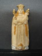 Rel. 2. Ancienne Petite Plaque En Résine Du Jésus De Prague.