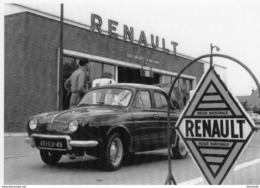 Renault Dauphine  -  Régie Nationale Orléans -  1956   -  CPM - Voitures De Tourisme