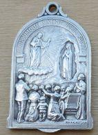 NM-134 Imposante Médaille 25e. Congrés Eucharistique De Lourdes 1914 Signée Pénin Poncet Lyon