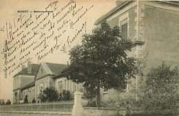 16 - 270417 - MANOT - Maison école - - Autres Communes