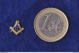 Pin's Maçonnique - Symboles Equerre Sur Compas Et Lettre G 10 Mm - Franc-Maçonnerie - Freemasonry