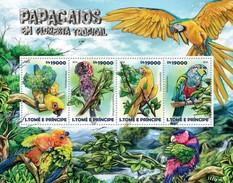 SAO TOME E PRINCIPE 2015 SHEET PARROTS PERROQUETS LOROS PAPAGAIOS PAPAGEIEN PAPPAGALLI BIRDS OISEAUX AVES St15214a - Sao Tomé Y Príncipe