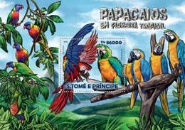SAO TOME E PRINCIPE 2015 SHEET PARROTS PERROQUETS LOROS PAPAGAIOS PAPAGEIEN PAPPAGALLI BIRDS OISEAUX AVES St15214b - Sao Tomé Y Príncipe