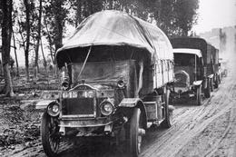 Militaria WW1 -  Camions En Route Vers Le Front Sur La Voie Sacrée En 1917 - 1914-18