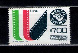 Exporta Type 10 $ 700.00 Movies  Green-yellow / Carmine / Blue-black - Mexique