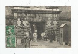 Cp , MILITARIA , Militaires , 66 , PERPIGNAN ,entrée De La Citadelle , Voyagée - Personen