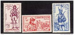 Cameroun N° 197/99  X Défense De L´Empire Les 3 Valeurs Trace De Charnière SinonTB