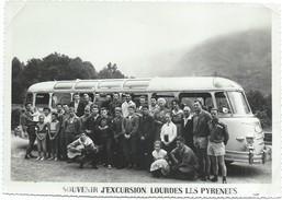 Photographie D'événement/ Photo De Professionnel / Souvenir D'excursion/ Lourdes/Les Pyrénées /1959             PHOTN250 - Cars