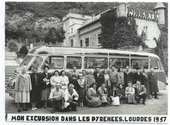 Photographie D'événement/Photo De Professionnel/Souvenir D'excursion/Lourdes/Les Pyrénées/Départ Gavarnie/1957  PHOTN251 - Automobile
